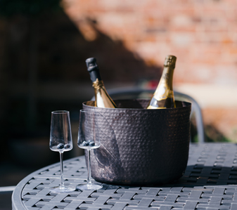 CELEBRATE NATIONAL PROSECCO DAY WITH BOTTOMLESS BRUNCH